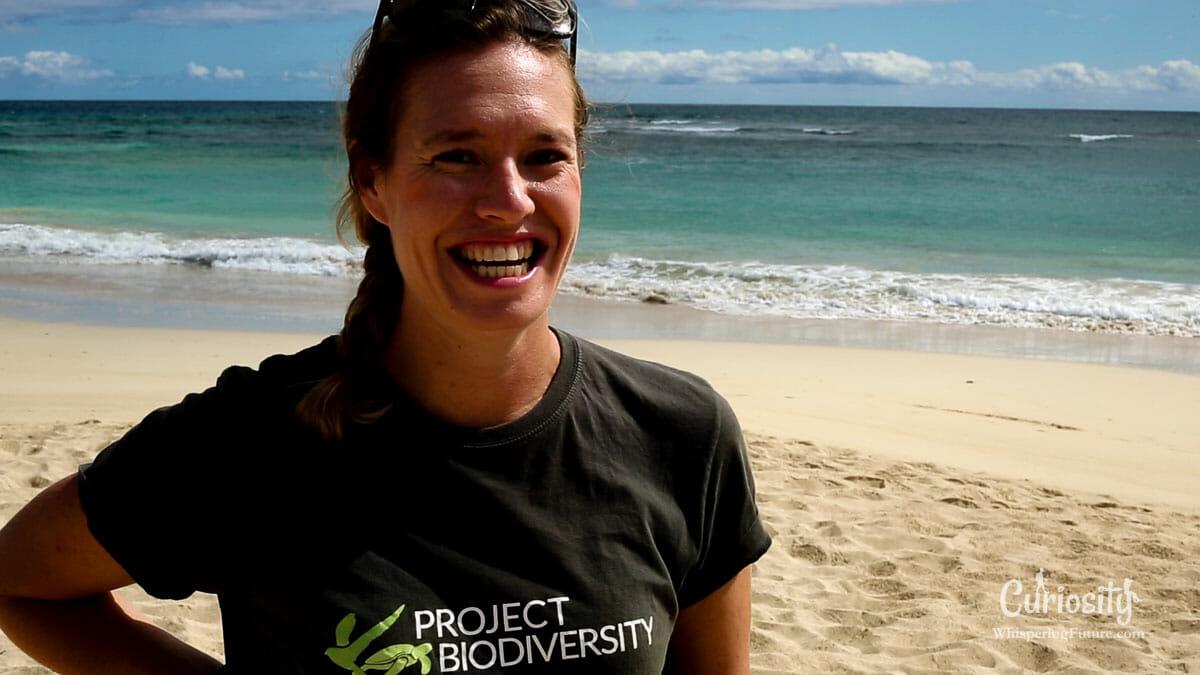 Le sourire de Shannon lors du tournage de « Tortues Marines »